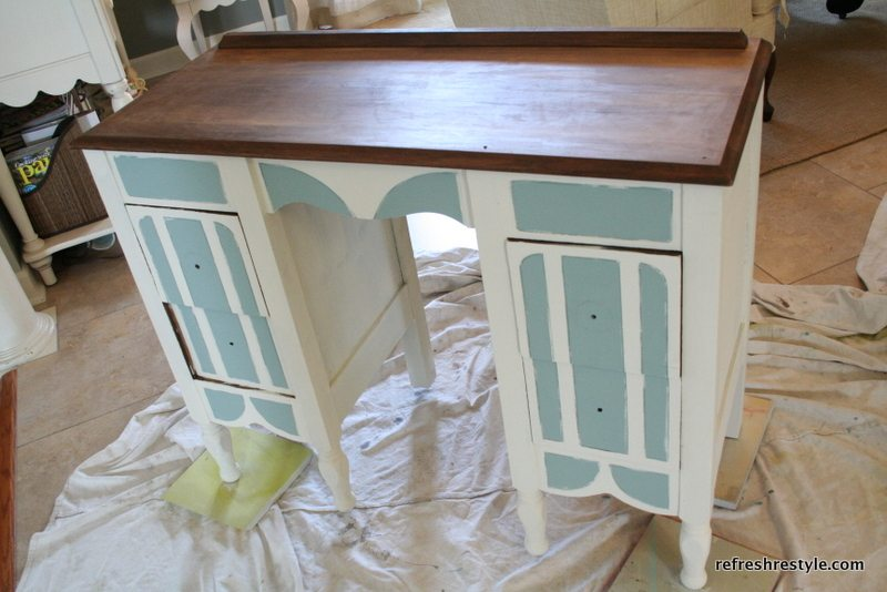 Vanity/Desk Makeover  With Annie Sloan Chalk Paint