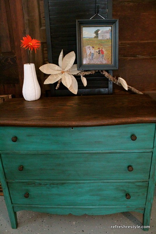 Blue or green Emerald green dresser makeover - painted furniture idea that you can do yourself