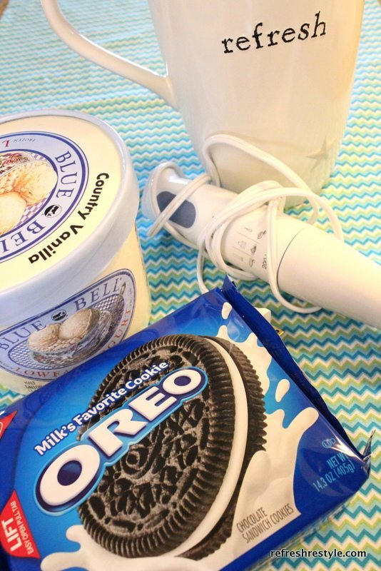 Frozen Yogurt Oreo Cookies Milk