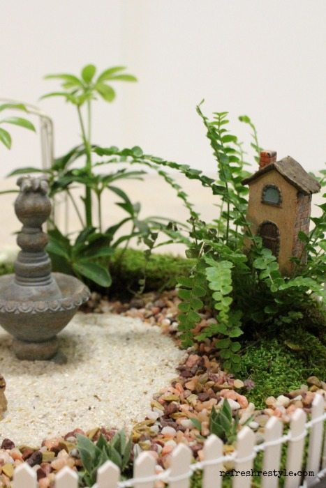 Mini Garden birdhouse