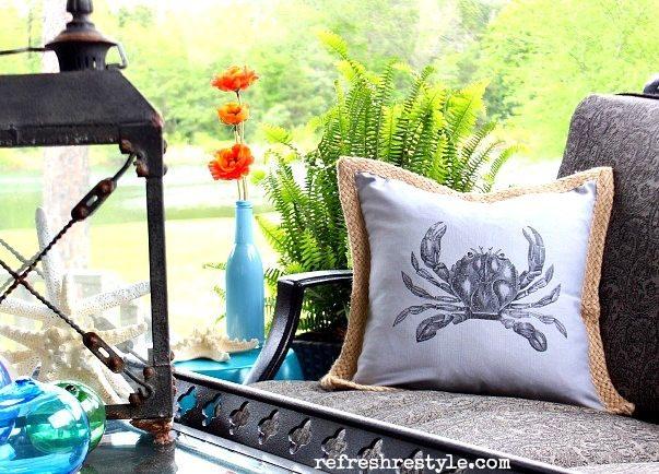 Beach Pillow - Crab