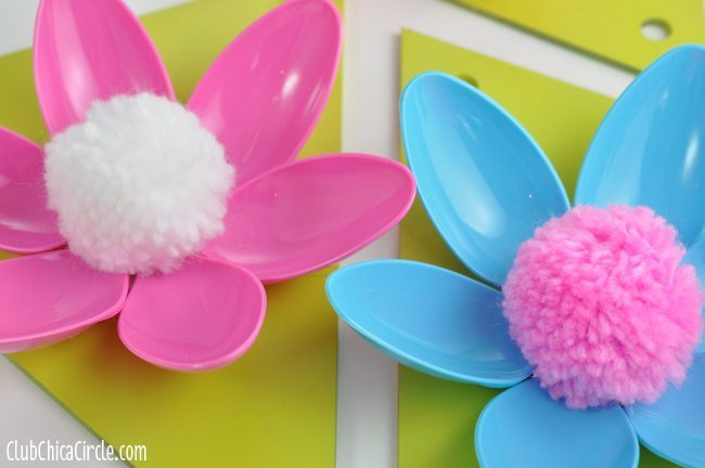 Easy-Spring-Flower-Garland-@clubchicacircle