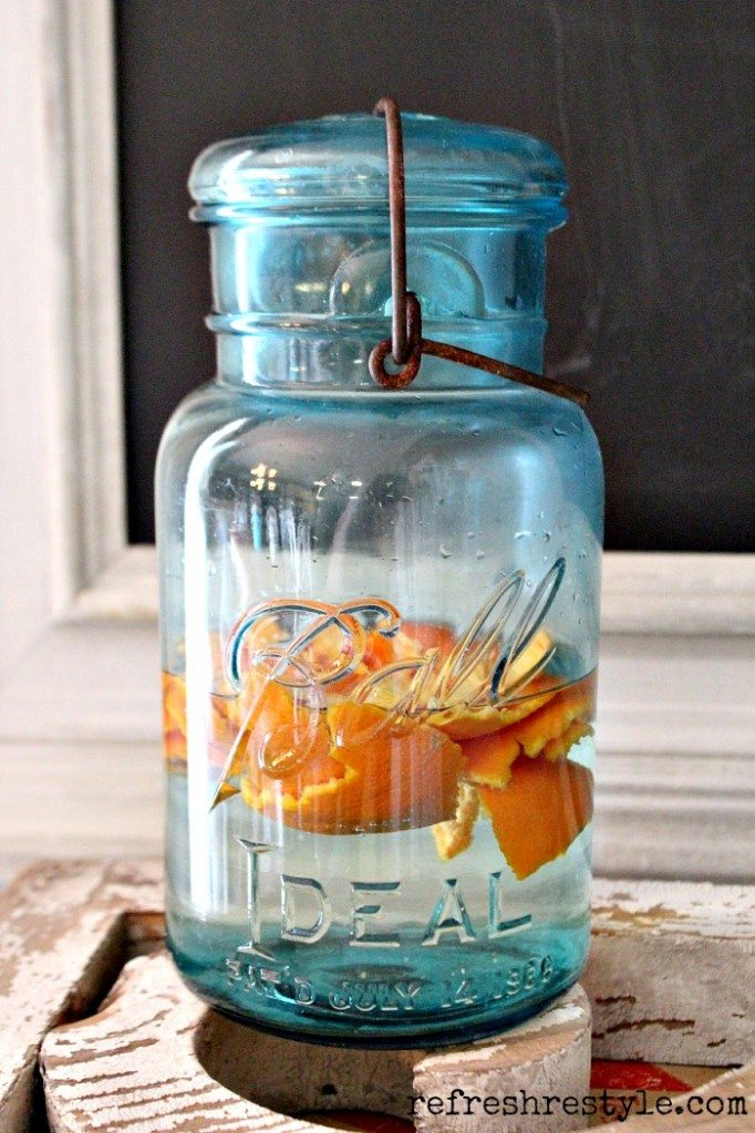 Make your own Natural Citrus Cleaner #naturalcleaner #vinegar #orange cleaner