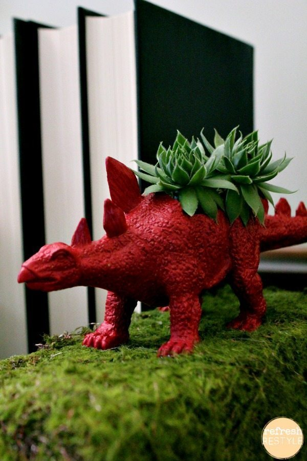 dino bookends with succulents #diyproject #succulents