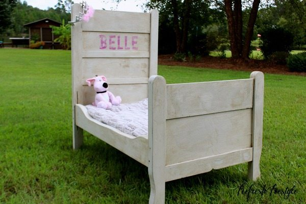 DIY Salesman sample bed makeover #maisonblanchepaint  #paintedfurniture #ad