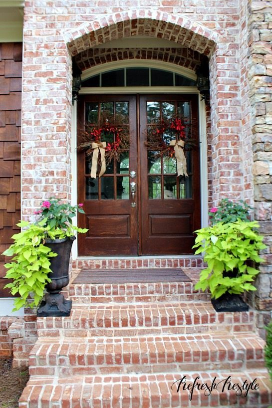 Fall Door Decor #fall #doubledoor #wreath