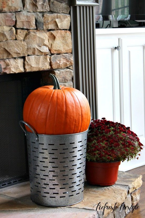 Fall decor #pumpkins #mums #fall