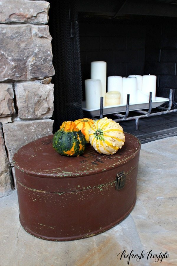 Fall Decor #fireplace #mantel #pumpkins