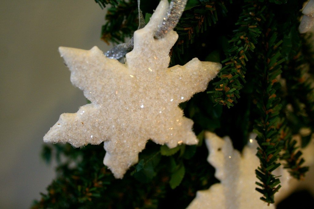 13 - Refresh Restyle - Cloud Clay Snowflake Ornament