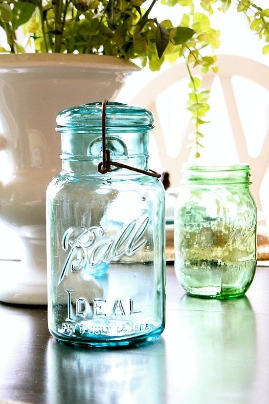 Mason jars used for centerpiece