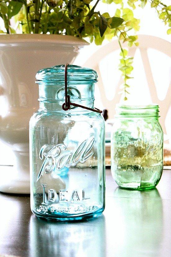 Mason jars used for centerpiece