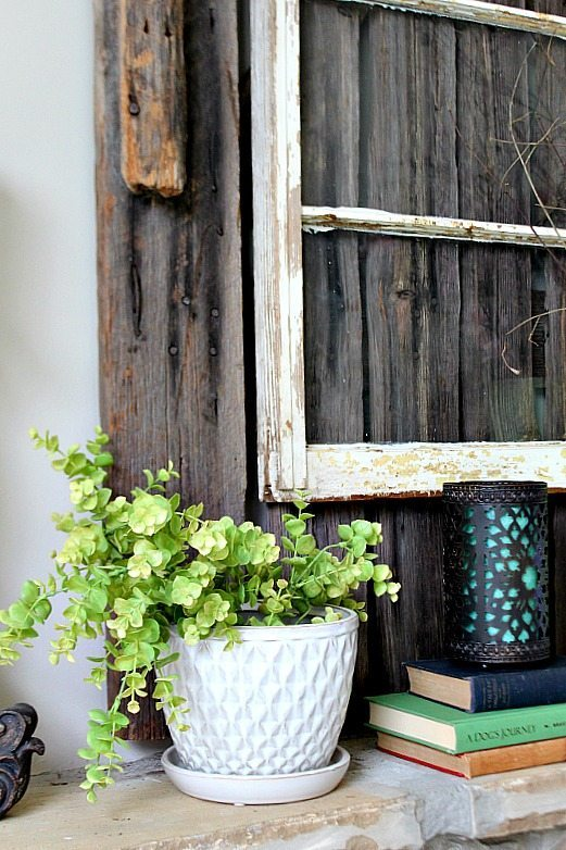 Details of the spring mantel at Refresh Restyle