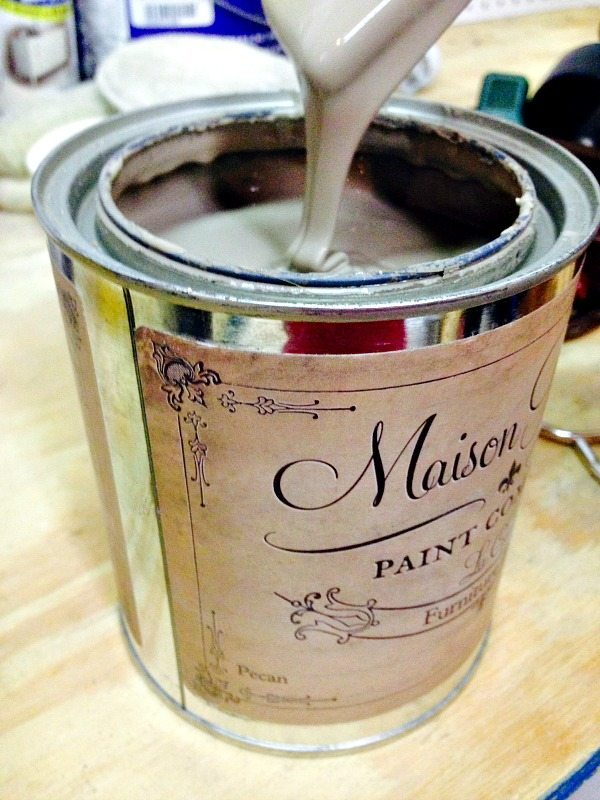 Maison Blanche Vintage Furniture Paint in Pecan