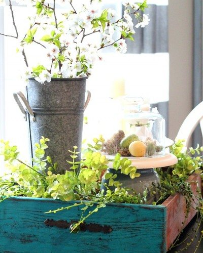 Ideas For Spring Decorating With An Old Kitchen Drawer