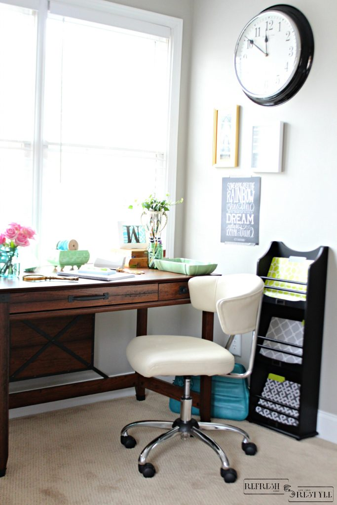 Sauder writing desk, perfect size for a small area
