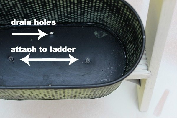 How to attach a flower pot to a ladder for planting