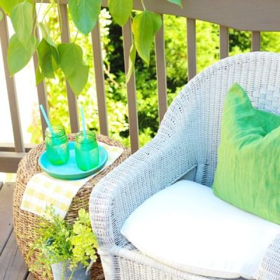 Refreshing the rocking chairs - spray painting wicker with HomeRight Finish Max