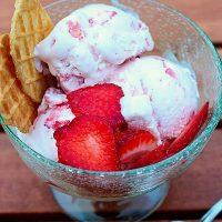 summer recipe Homemade Strawberry Ice Cream