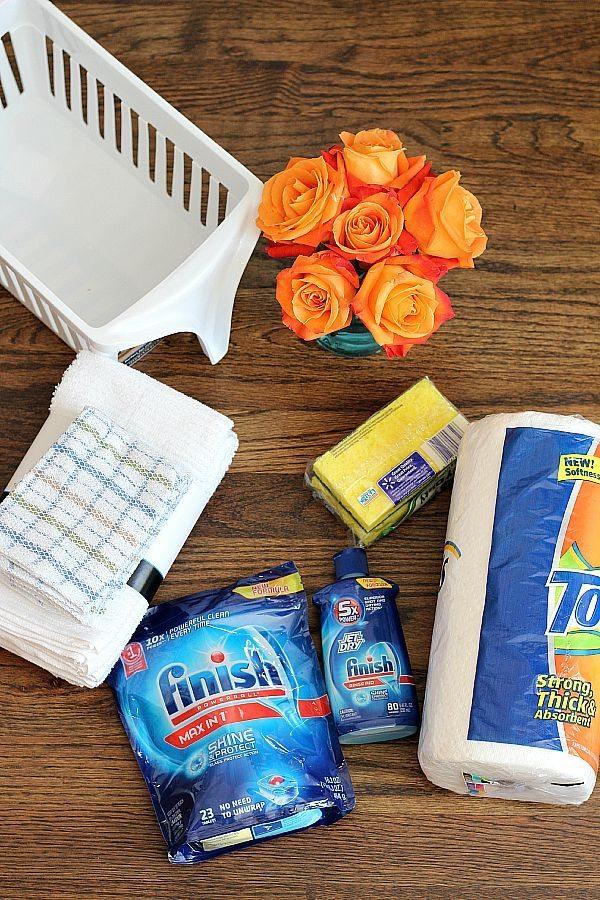 Housewarming gift idea with kitchen essentials