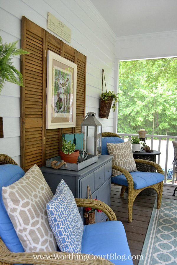 Summer Porch at Worthington Court