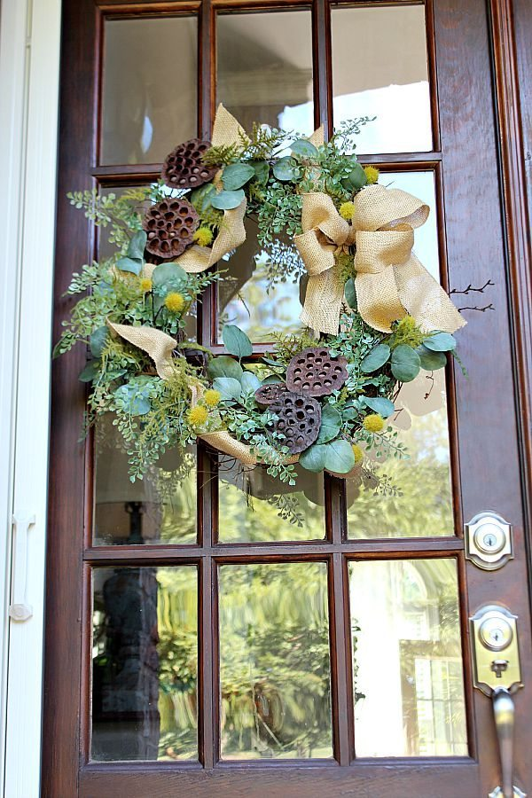 Beautiful fall wreath from Daisy Mae Belle ETSY shop perfect from summers end to Christmas refreshrestyle.com