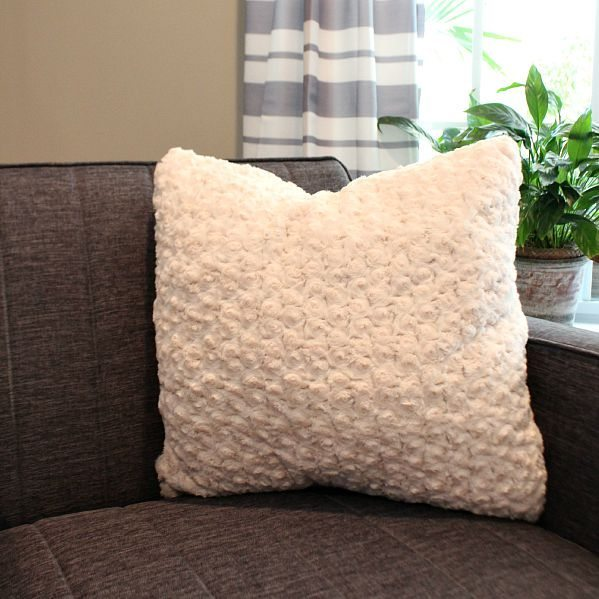 Better Homes and Gardens at Walmart pillow #sp at refreshrestyle.com