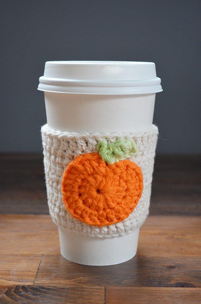 DIY-CROCHET mug snuggie at refreshrestyle.com