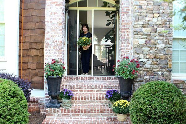 Fall welcoming refresh at the front door refreshrestyle.com