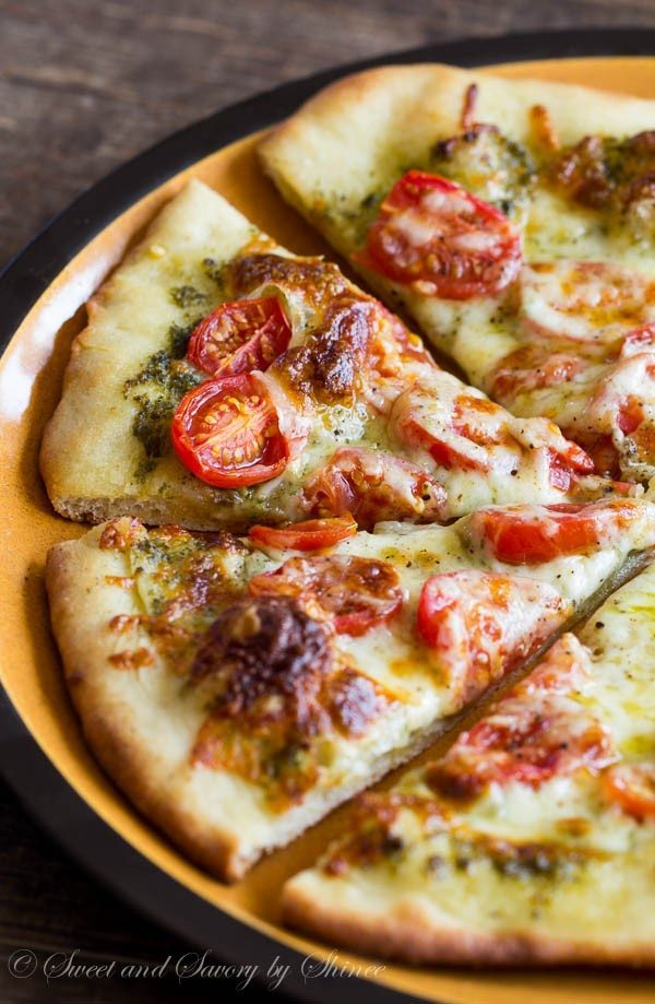Roasted-Tomato-Pesto-Pizza