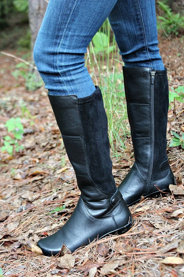 Stylish and comfortable Dansko boots perfect for any outfit at refreshrestyle.com