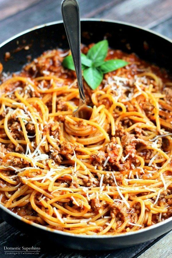 11 - Domestic Superhero - One Pot Spaghetti and Meat Sauce