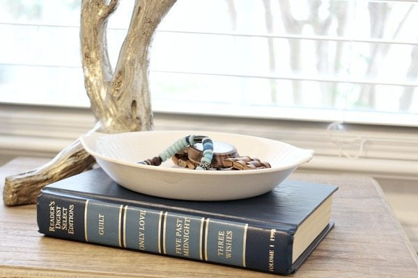 Bedside jewel holder/ use an ironstone bowl at refreshrestyle.com