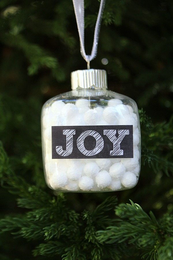 Chalkboard snowball Christmas ornament at refreshrestyle.com