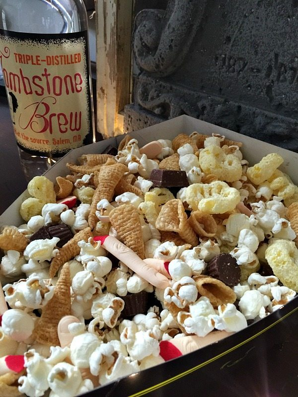 Crunchy mix for Halloween Party easy recipe