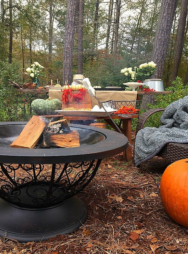 Entertaining outdoors s'mores and more. Outdoor living with affordable Better Homes and Gardens. Keep the outdoor entertaining season going longer. #sp #BHGLiveBetter