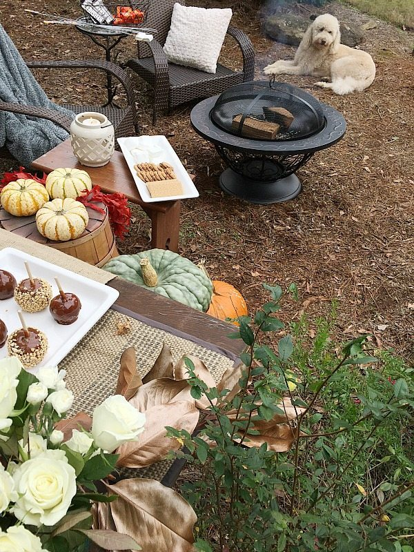 Entertaining outside - time for fresh air and dessert. Outdoor living with affordable Better Homes and Gardens. Keep the outdoor entertaining season going longer. #sp #BHGLiveBetter