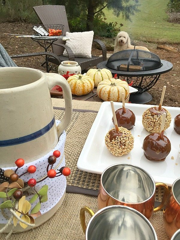 Fall entertaining ideas with Better Homes and Gardens at Walmart. Outdoor living with affordable Better Homes and Gardens. Keep the outdoor entertaining season going longer. #sp #BHGLiveBetter