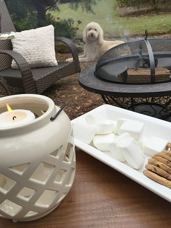 Outdoor Living ideas for dessert. Outdoor Entertaining with affordable Better Homes and Gardens. Keep the outdoor entertaining season going longer. #sp #BHGLiveBetter