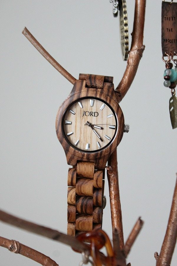 Wood watch by Jord beautiful natural time piece refreshrestyle.com