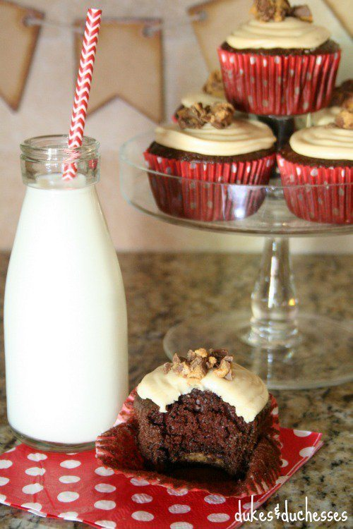 peanut-butter-cup-center-in-cupcake