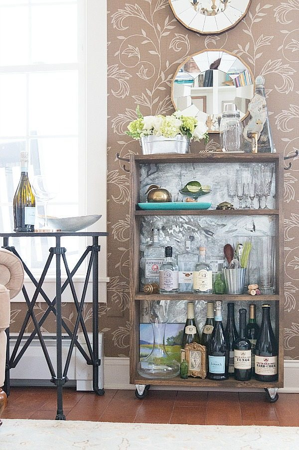Do it yourself Bar idea with galvanized metal