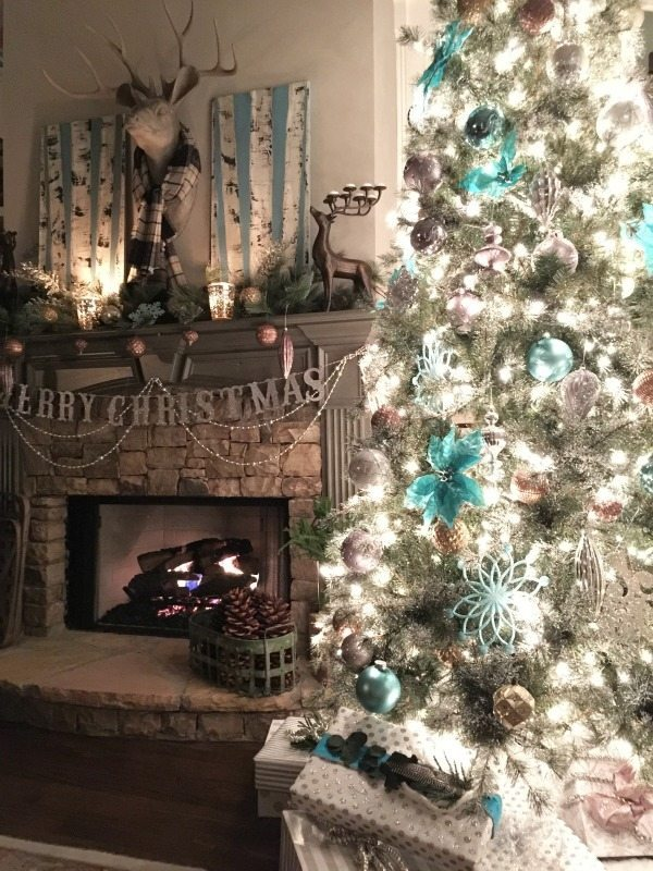 Christmas tree with turquoise and metallics at Refresh Restyle