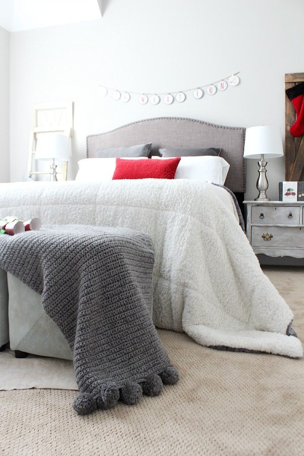 Guest room for Christmas in velvety soft blankets