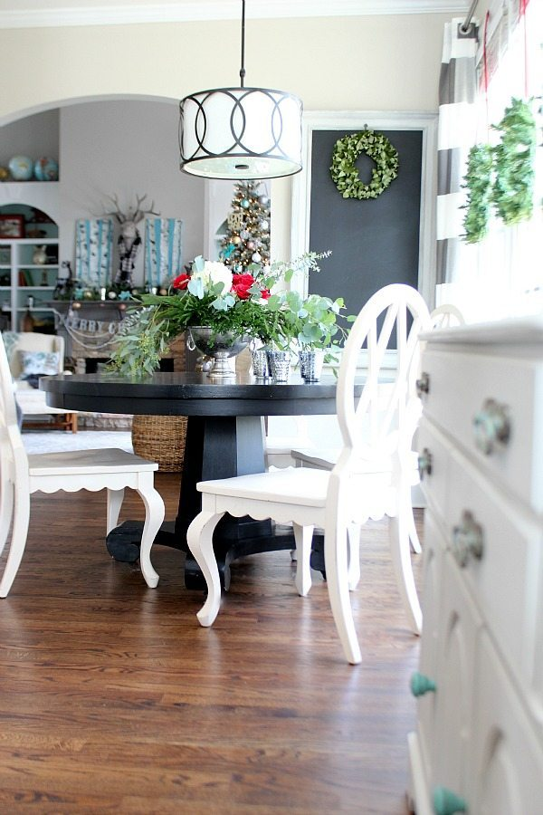 Kitchen dining area at Refresh Restyle