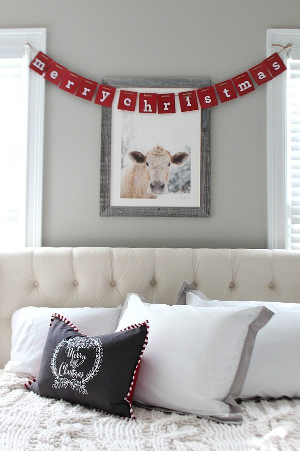 Merry Christmas in the guest room at Refresh Restyle