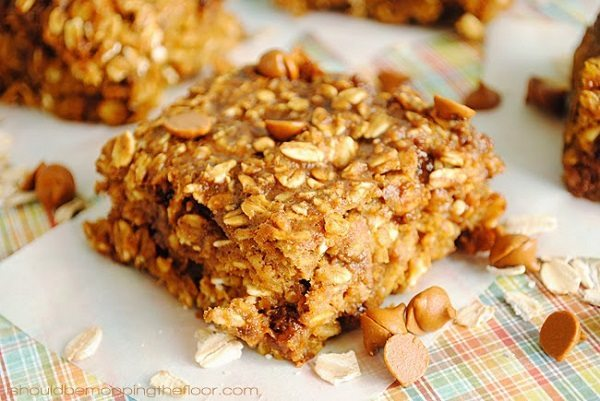 03 - I Should Be Mopping the Floor - Pumpkin Cinnamon Chip Oatmeal Bars