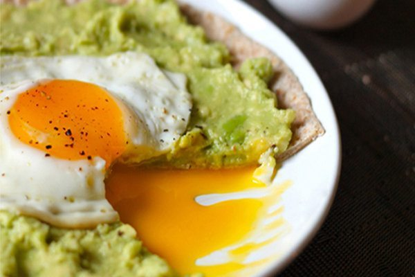 06 - Skinny Ms - Avocado Breakfast Pizza