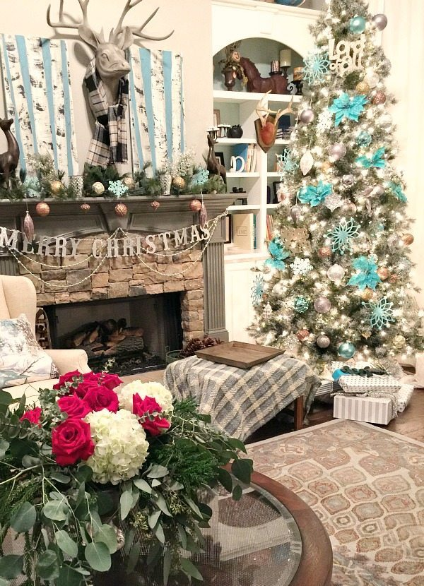 Living-Room-Christmas-tree-in-aqua-and-turquoise