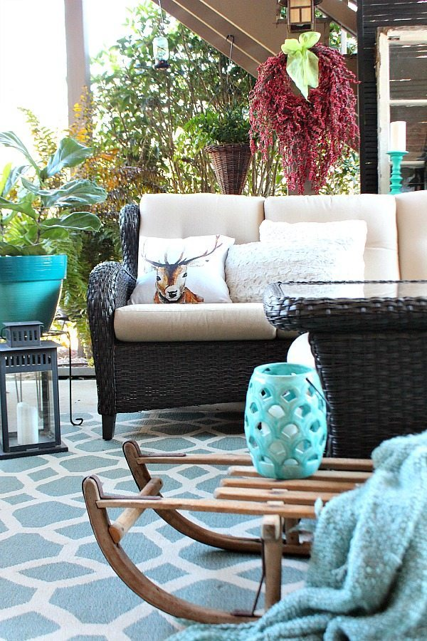Red and Turquoise on the winter patio at Refresh Restyle