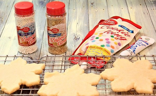 Sugar cookies are easy to decorate with the awesome icing from Better Crocker it hardens so you can stack them